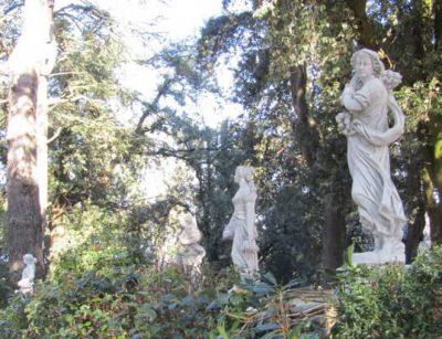 Villa Gentiloni statue parco rid